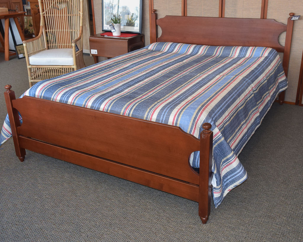 Moosehead Cherry Queen Bed New England Home Furniture Consignment