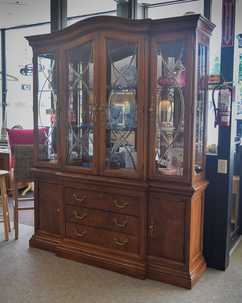 Thomasville Buffet Hutch New England Home Furniture