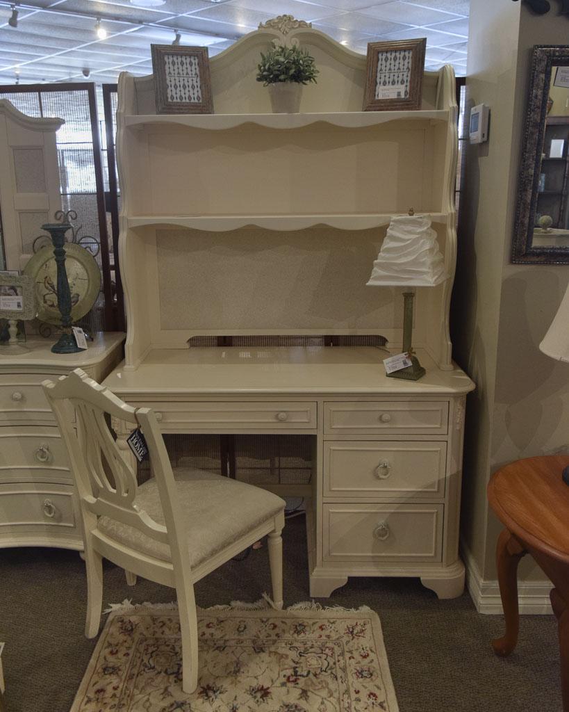 Legacy Desk W/ Hutch U0026 Chair
